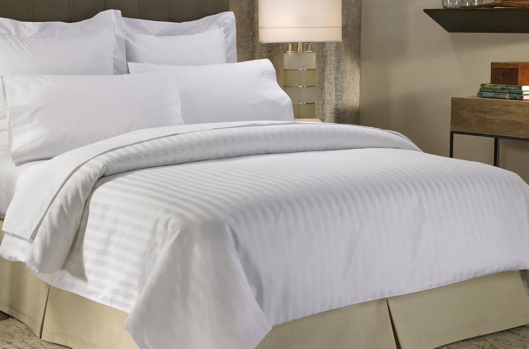 Marriott bed bedding set marriott hotel store for Bed sets with mattress